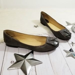 Frye Carson Tip flats taupe leather gray brown 8